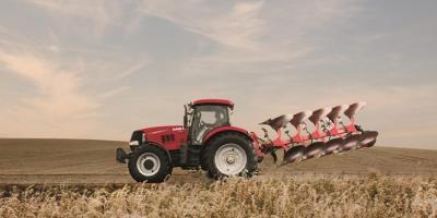 واگذاری تراکتور به کشاورزان چرا اینقدر تاخیر دارد؟