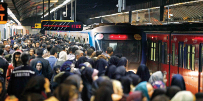 ازدحام مسافران در قطارهای شهری قزوین تهران
