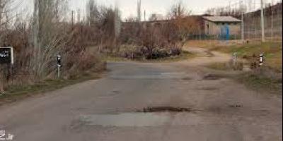 عدم توجه اداره راهداری به راه اصلی روستای صومعه
