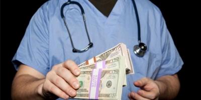 گرفتن پول زیرمیزی توسط برخی پزشکان در بوشهر