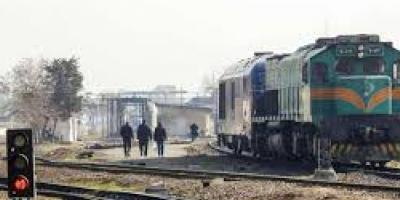 تأخیر و توقف بیش از حد قطارهای قزوین- تهران
