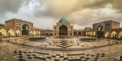 چرا مساجد در شهر زنجان تجاری شده است؟