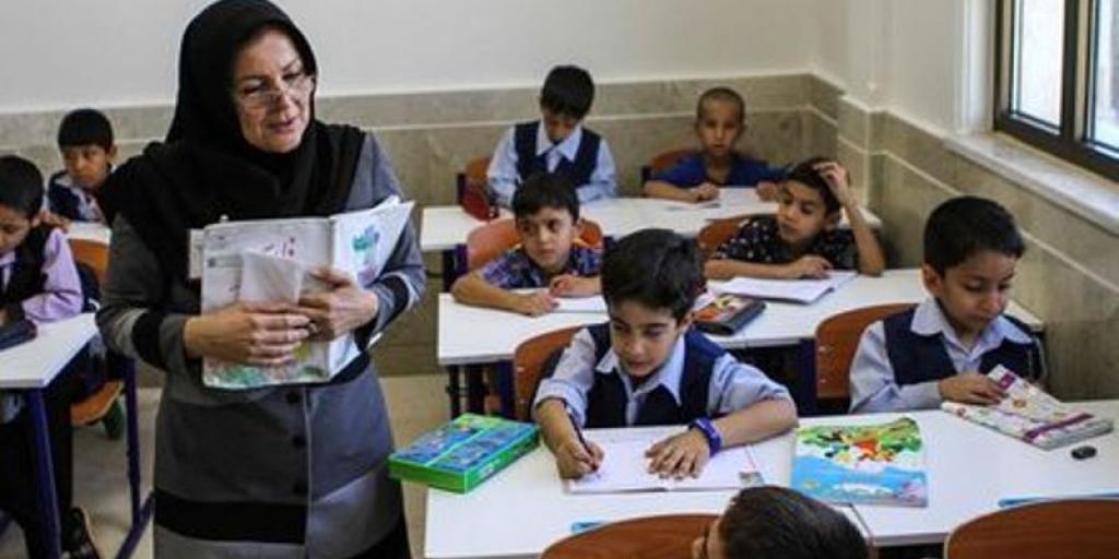 درخواست احتساب سنوات فاصله خدمتی معلمان دانشسراهای تربیت معلم>         </div>         <div class=