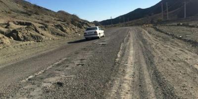 جاده ارتباطی بشاگرد - میناب نیاز به بازسازی فوری دارد