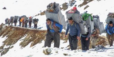 درخواست اشتغالزایی دولت برای کولبران