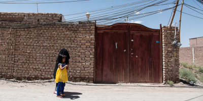 وضعیت نابسامان شبکه برق روستای رحمانآباد ایرندگان
