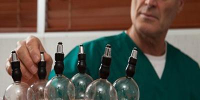 آیا علوم پزشکی بر مراکز شبه درمانی در قروه نظات دارد؟