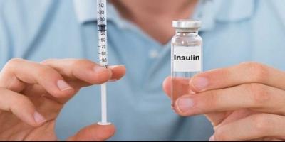 ازدحام بیماران دیابتی مقابل داروخانهها در پی کمبود انسولین در خوی