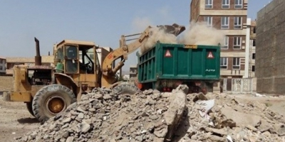 جمعآوری آوار ساختمانی در کوی تختی ۴ اقلید