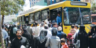 انتظار اهالی شهرک اندیشه اراک برای اتوبوس واحد
