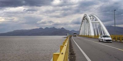نارضایتی اهالی روستای گمیچی از پرداخت عوارض پل میانگذر دریاچه ارومیه